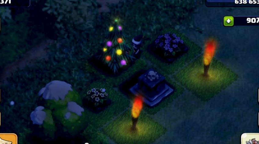 Clash-of-Clans-xmas-tree-at-night